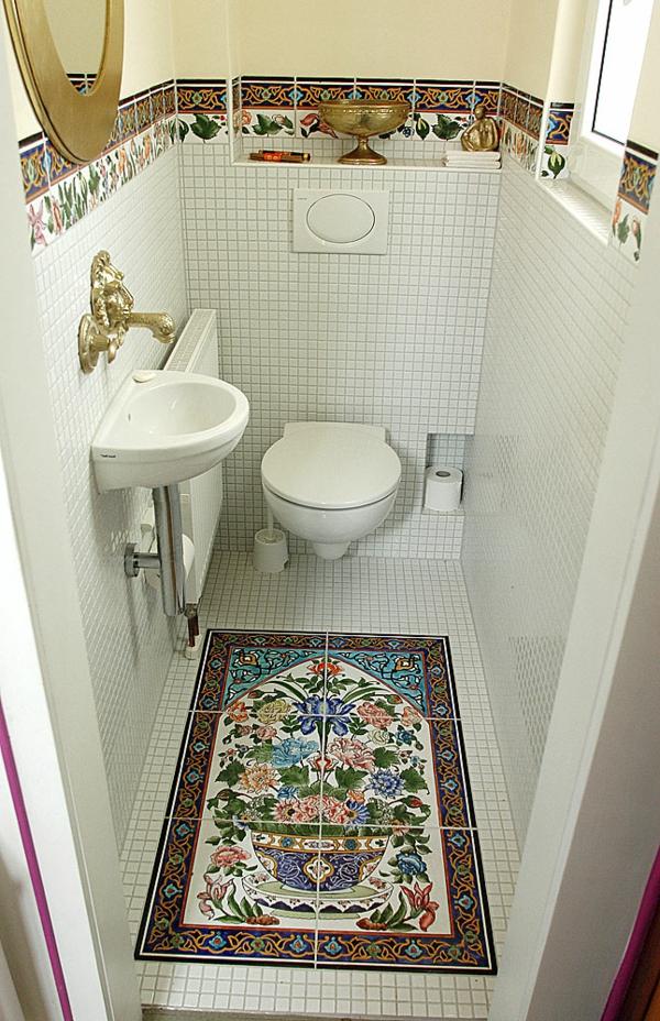 orientalische-fliesen-sehr-schön-aussehend-im kleinen badezimmer