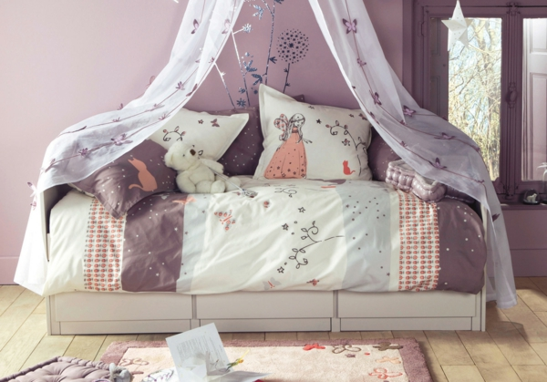 originelle-bettwäsche-mit-kindermotiv-lila-farbe-speziell-für-mädchen-teddybär