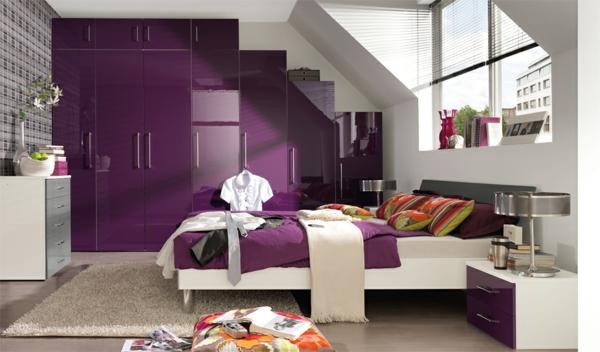 originelle-farbideen-für-schlafzimmer-lila-farbe-moderne dachwohnung