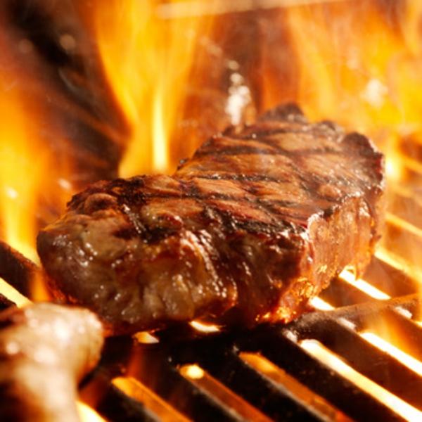 gegrilltes steak als geschenk zum vatertag