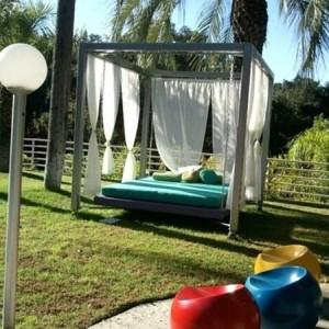 Outdoor Bett für eine märchenhafte Atmosphäre!