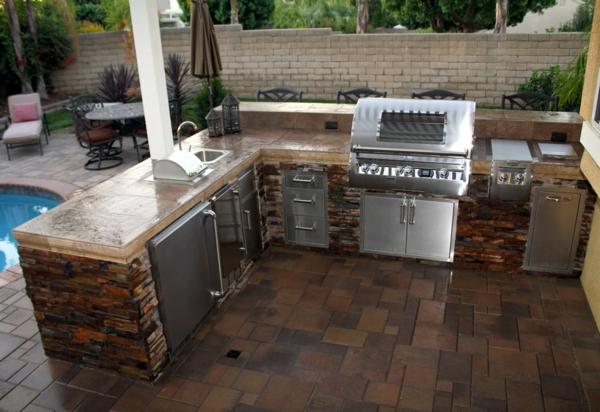 outdoor-küche-moderne-ausstattung-Sehr schön wirkend