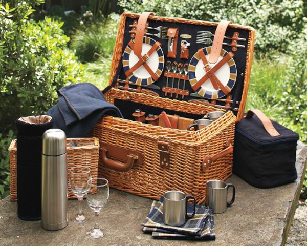 picknickkorb-für-2-personen-einwandfrei organisiertes geschirr