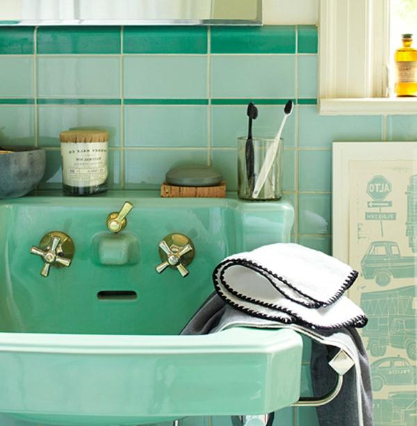 retro-waschbecken-interessante-farbe-weißes tuch