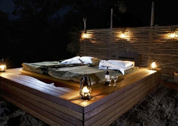 romantisches-bett-design-outdoor-schöne beleuchtung