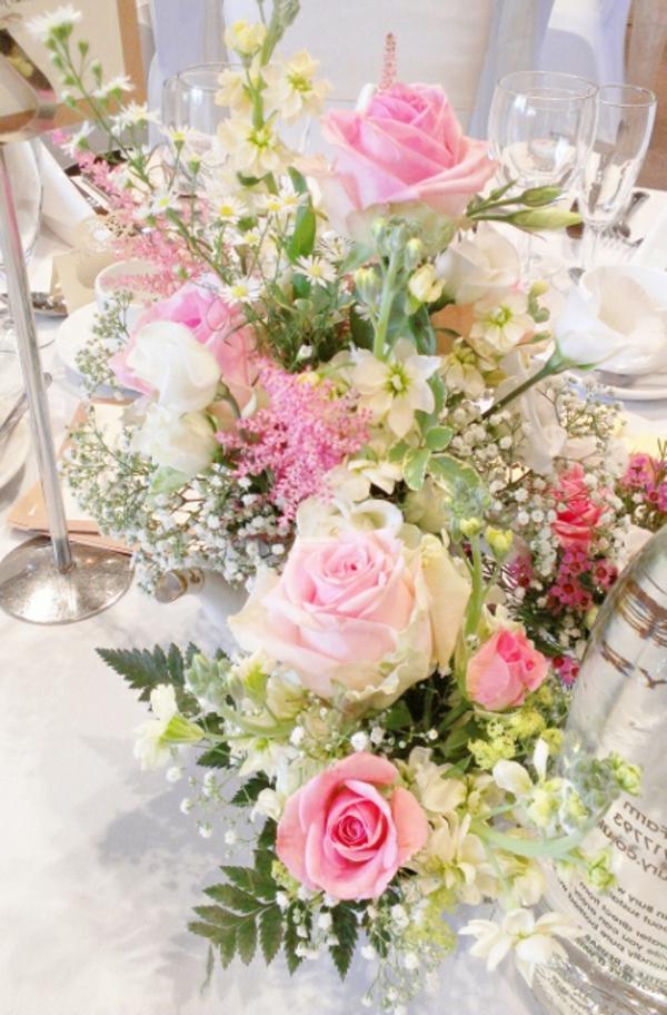 Blumen Tischdeko tischdeko mit blumen 35 ideen archzine