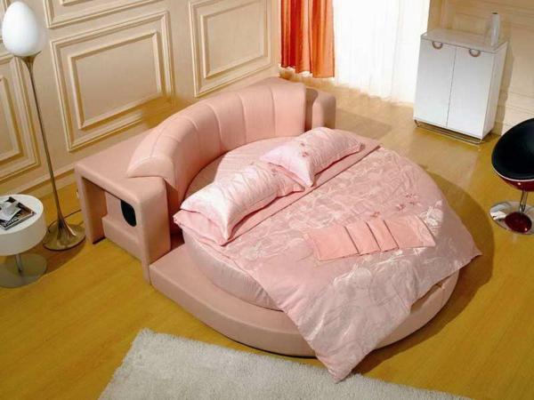 rosiges-bett-modernes schlafzimmer
