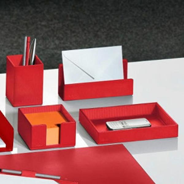 rote-schreibtisch-accessoires- super moderne gestaltung