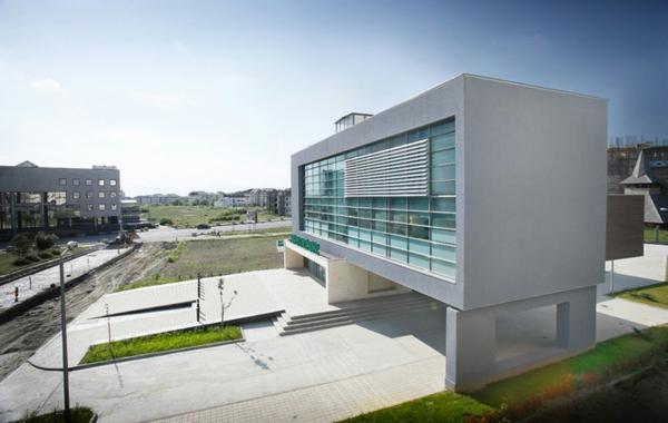 schönes-haus-gestalten-minimalismus-architektur-schönes-gebäude