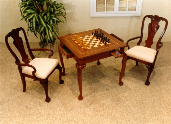 schachspiel-aus-holz-CHTISABEL