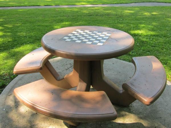 schachspiel-aus-holz-chess