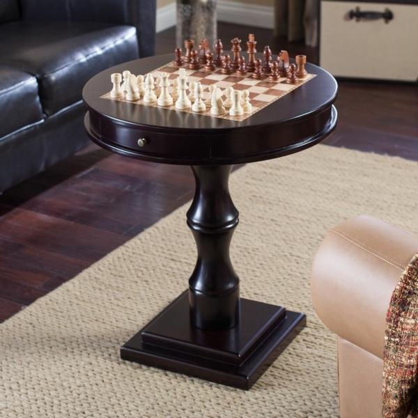 schachspiel-aus-holz-dunkel