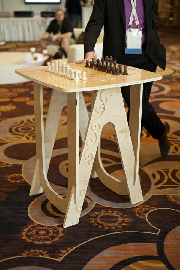 schachspiel-aus-holz-faa5caecf4662991443a27e35991077c