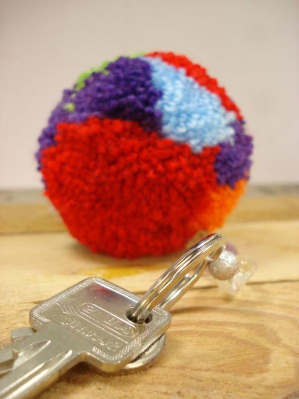 schlüsselhänger-basteln-bunte-farben- super schön aussehen