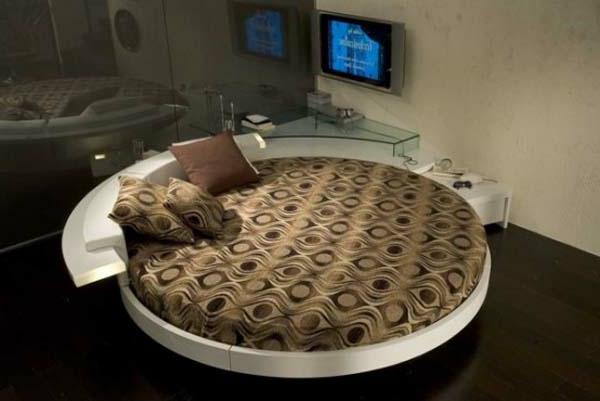 schlafzimmer-einrichten-rundbett-modern- gläserne wand