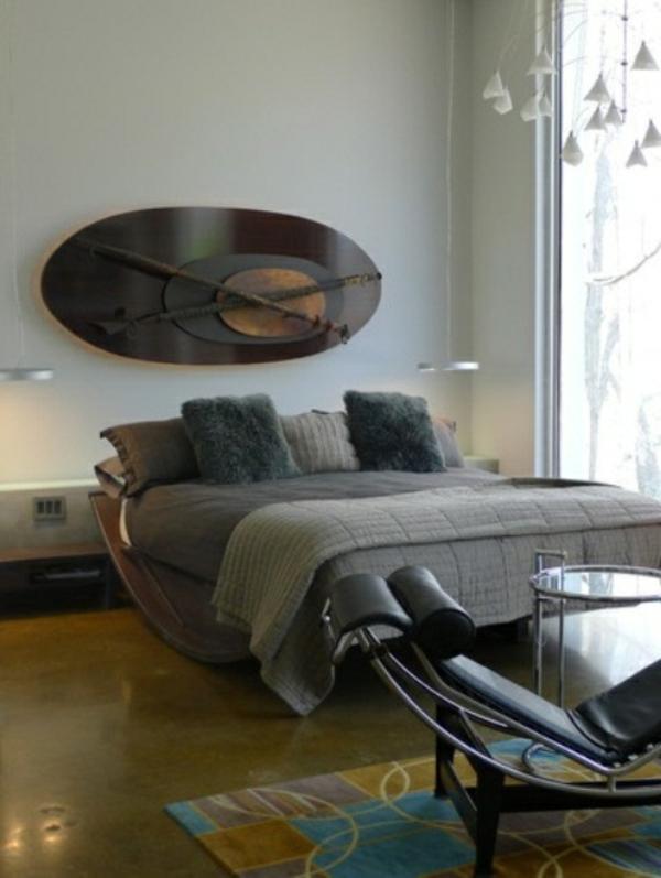 schlafzimmer-ideen-wandgestaltung-interessant- weiche dekokissen und ...