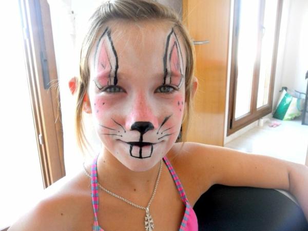 schminken-karneval-mädchen-sehr süß aussehen