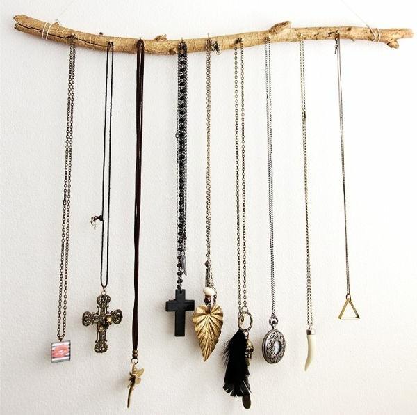schmuck-aufbewahren-diy-geschenk-zum-muttertag- zweig als hänger benutzen
