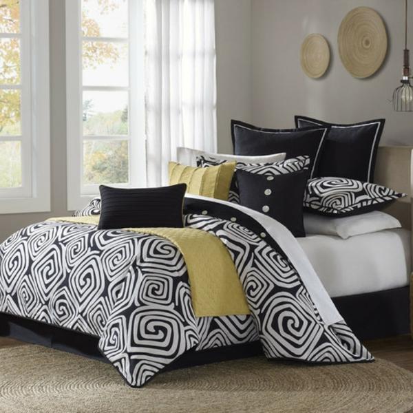 schwarze-weiße-und-gelbe-farbe-fürs-bett-weiße gardinen