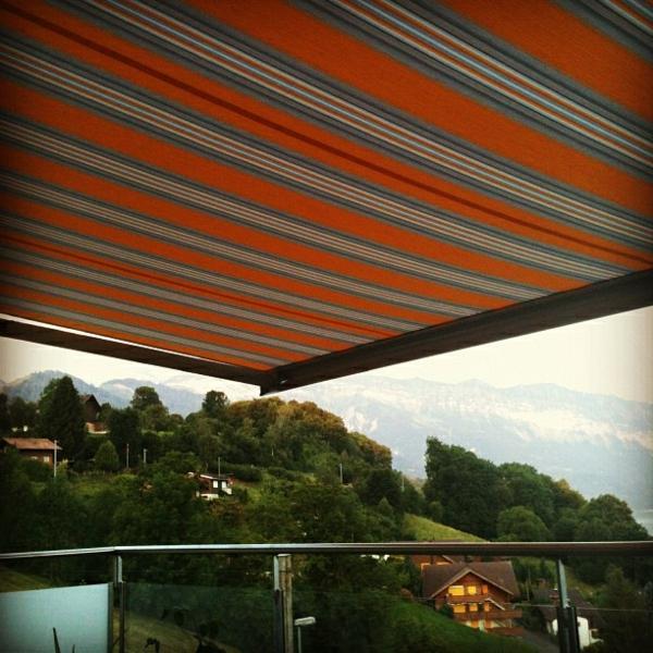 sehr-großes-sonnensegel-für-terrasse