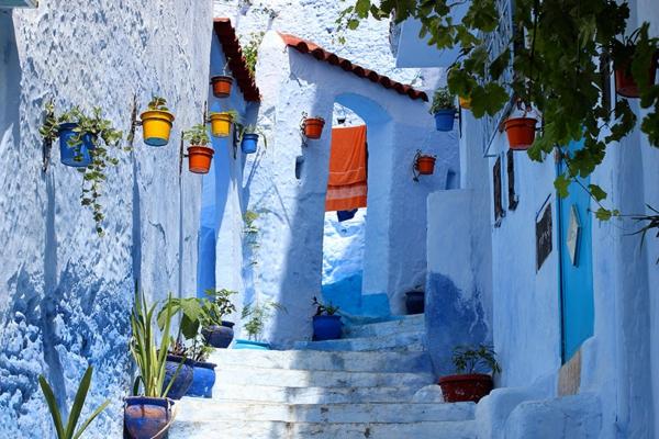 sehr-originelle-ausstattung-alte-stadt-in-morocco-blaue-farbe