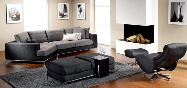 sehr-schöne-wohnzimmereinrichtung-beispiele- möbelstücke in grauer farbe und ein kamin