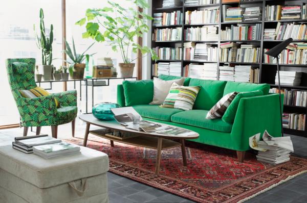 sofa-grüne-farbtöne-dunkel