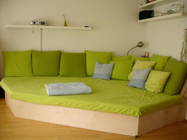 Breites sofa  Dunkelgraues Sofa Welche Wandfarbe ~ Kreative Ideen für Ihr ...