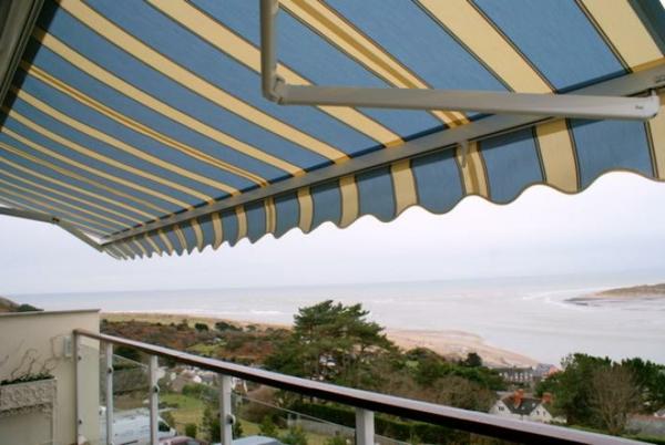 sonnensegel-für-terrasse-interessant-gestaltet-wunderschön wirkend