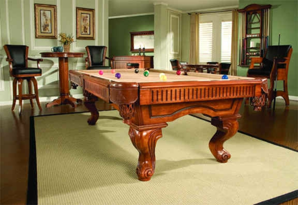 spielzimmer-mit-luxus-billiard