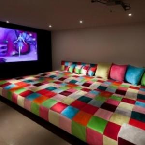Sofa im Heimkino - 30 originelle Vorschläge
