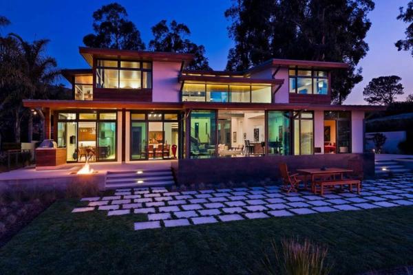 super-auffällige-minimalistische-architektur-bunte farben