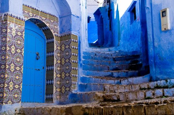 super-originelle-ausstattung-alte-stadt-in-morocco-blaue-farbe
