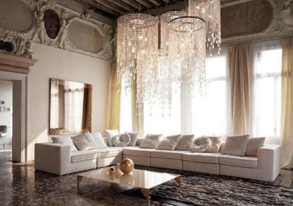 super-schöne-dekoideen-fürs-wohnzimmer-eigenartige kronleuchter und sofa