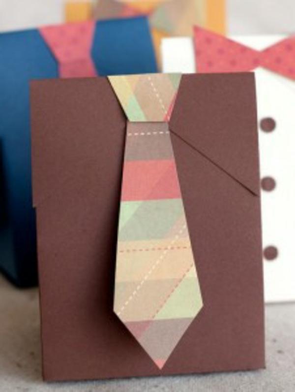 tüten-mit-kravatten-vatertagsgeschenke-basteln-kreative-idee