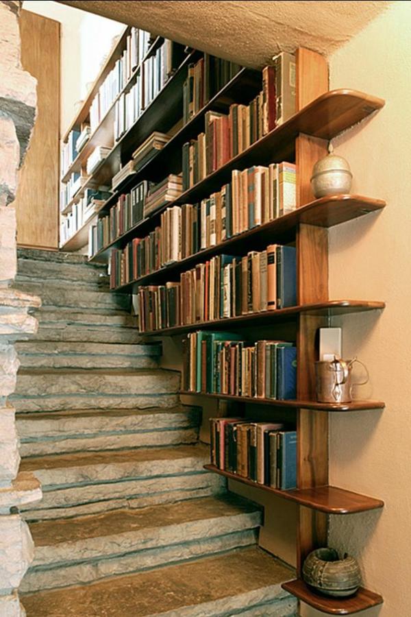 treppen- Haus – Bibliothek
