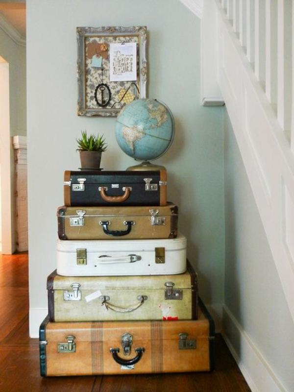 viele-koffer-möbel-mit-vintage-look-selber-machen