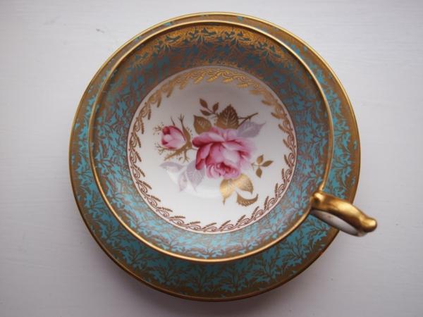 vintage-tasse-foto-von-oben-gemacht-sehr schön aussehen