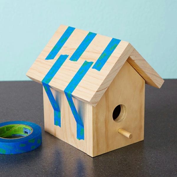 vogelhaus-selber-bauen-blaue-linien -hintergrund in himmelbalu
