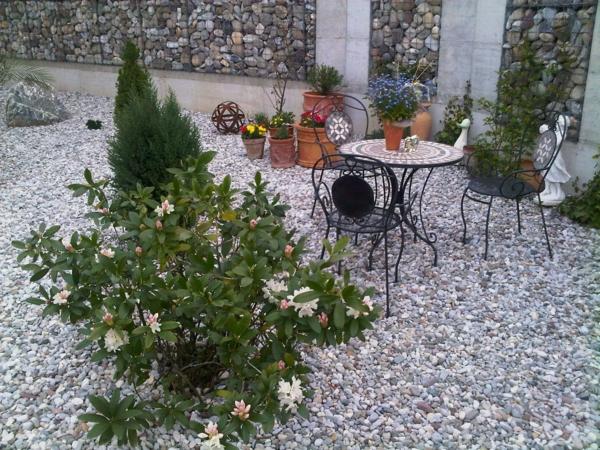 vorgartengestaltung-reihenhaus-sitzplatz-4