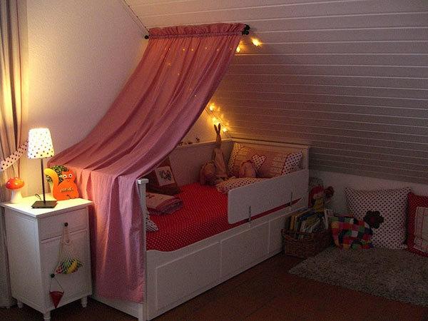 wandgestaltung-ideen-mädchenzimmer-schöne-dekoration- dachwohnung