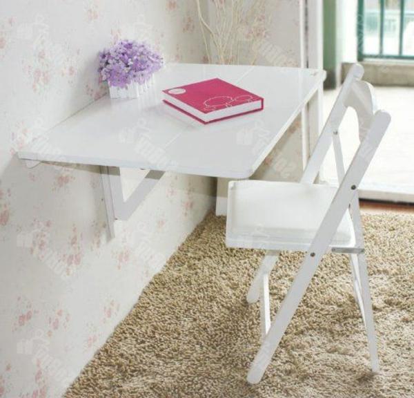 klapptisch-weiß-mit-einem-stuhl