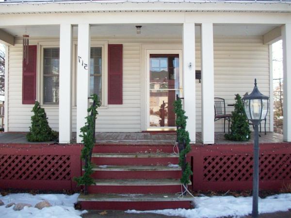 weiße-fassade-veranda-selber-bauen