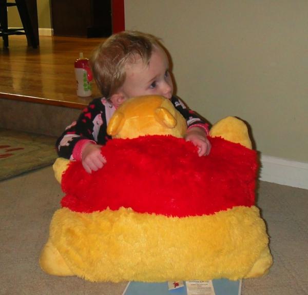 winnie-pooh-kissen-für-kleine-kinder-schönes Baby