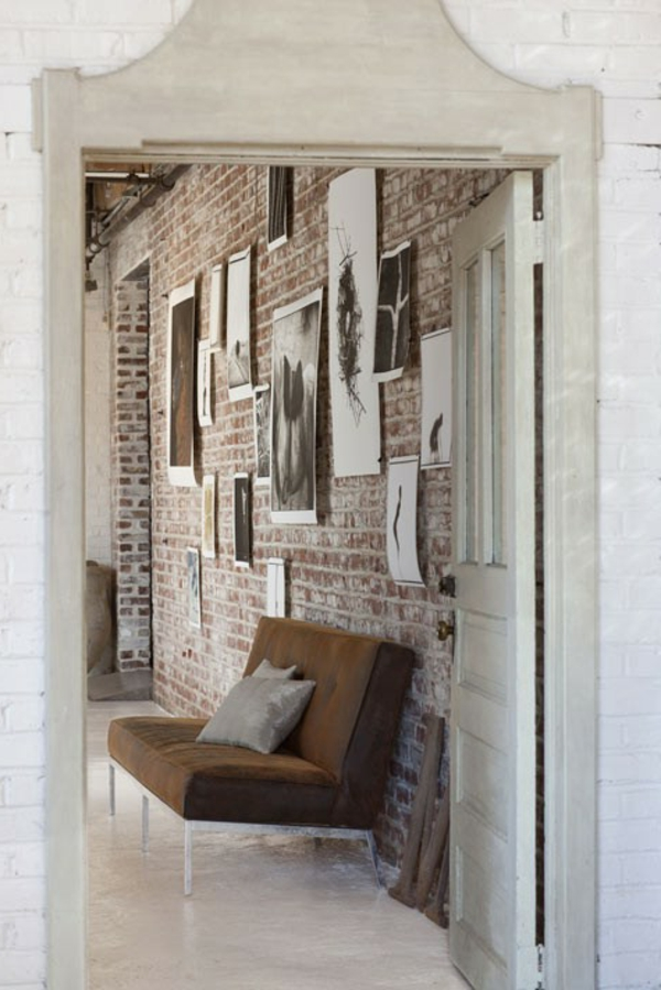 ziegelwandidee-zwischenraum-mi-sofa
