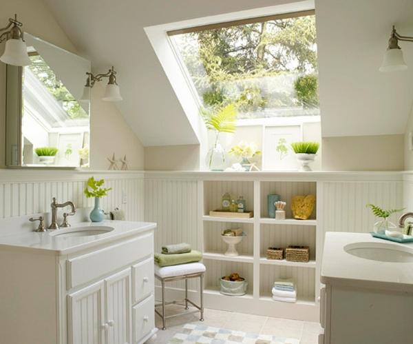 Dachgeschoss-einrichten-weißes-Badezimmer-mit-grünen-Pflanzen
