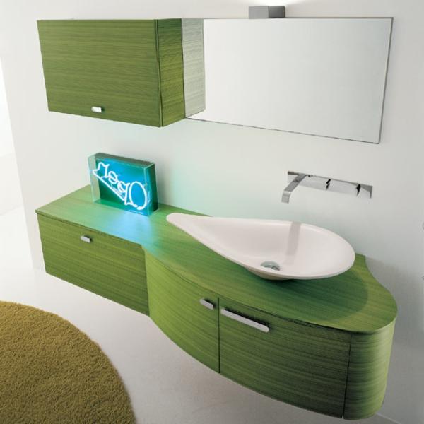 Farbbedeutung-Grün-modernes-Badezimmer-im-Grünn-mit-weissen-Elementen