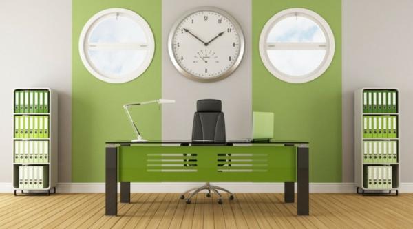 Farbbedeutung-Grün-modernes Design-im-Büro-mit-drei-Uhren