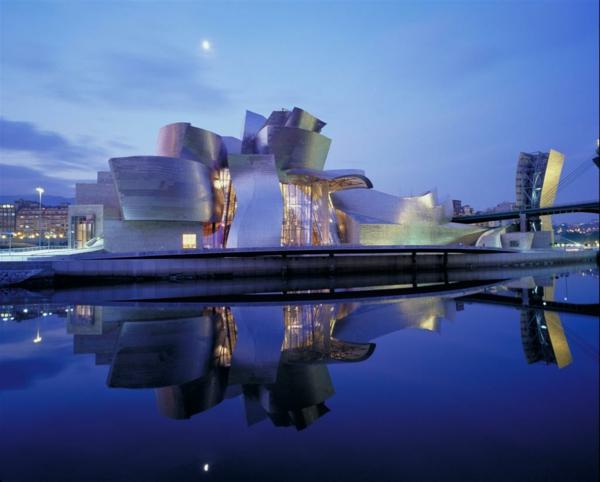 Gugenhaim-Bilbao-die-besten-städte-der-welt-moderne-architektur- extravagante gestaltung