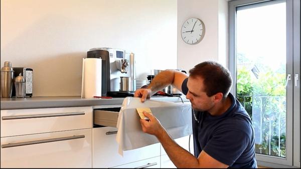 Küchenschränke-bekleben-arbeit-1